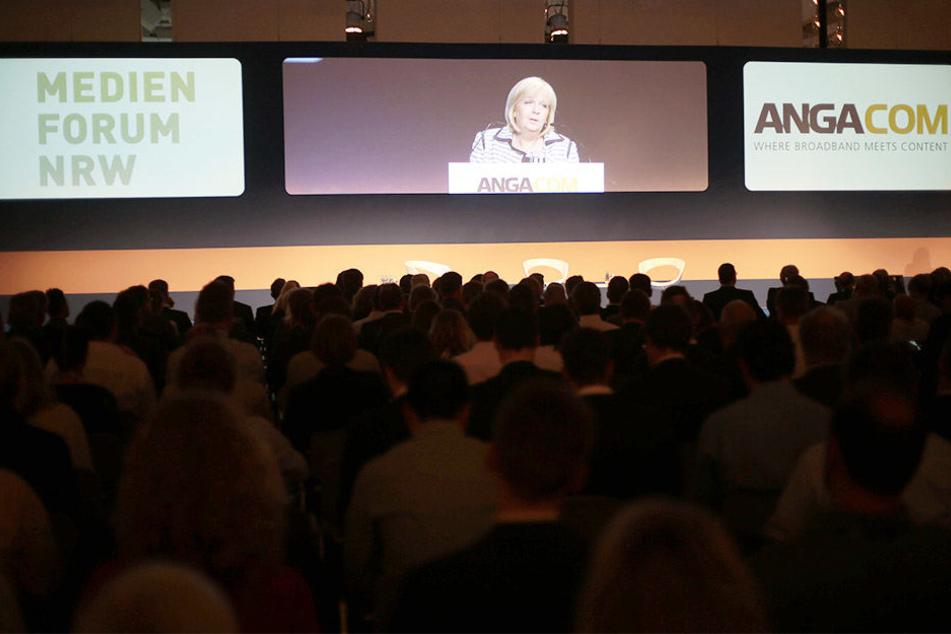 Im Jahr 2016 durfte noch NRWs Ministerpräsidentin Hannelore Kraft (55) auf dem Medienforum sprechen.