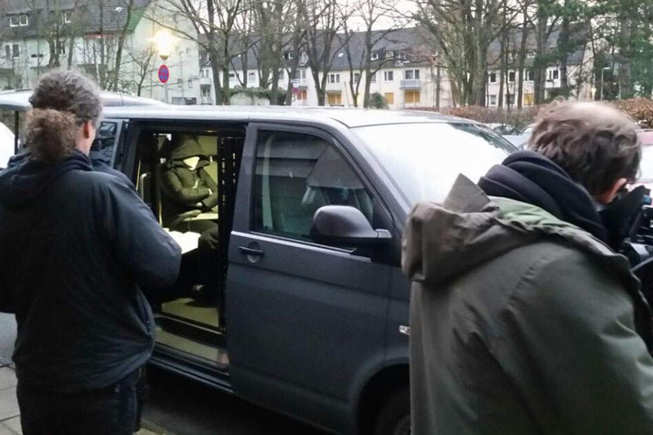 Bei einer bundesweiten Razzia gegen eine mutmaßliche Schleuserbande wurde ein Person in Berlin festgenommen.