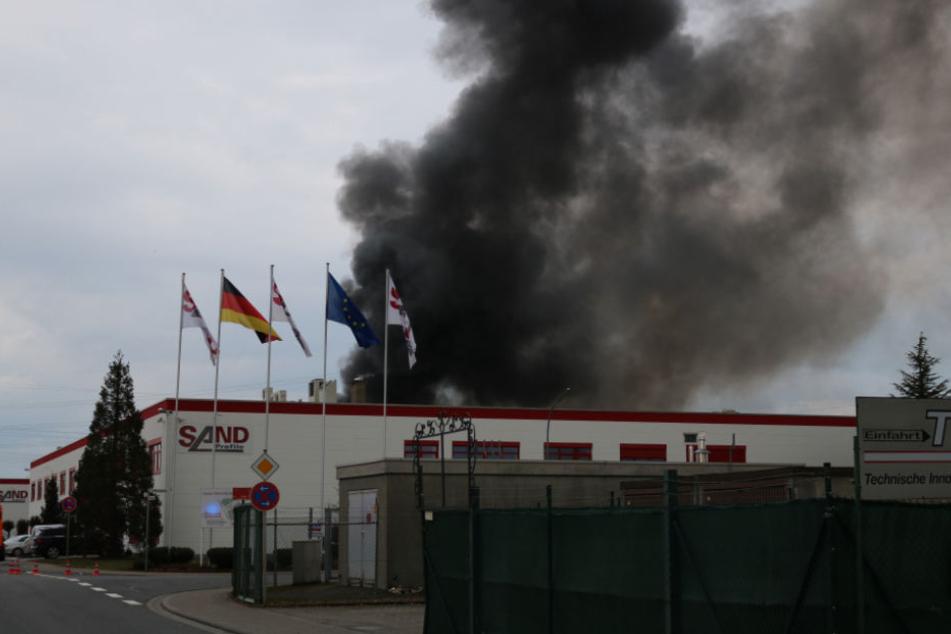 Wegen der Rauchwolke mussten die Fenster in der näheren Umgebung geschlossen bleiben.