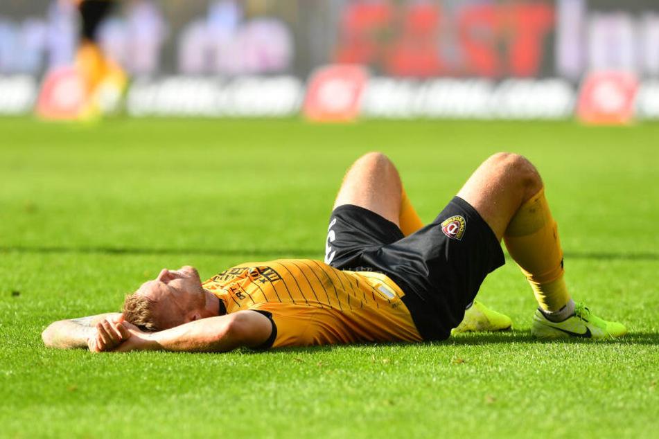 Brian Hamalainen am Boden. Er musste in der Halbzeit mit Rückenbeschwerden ausgewechselt werden.