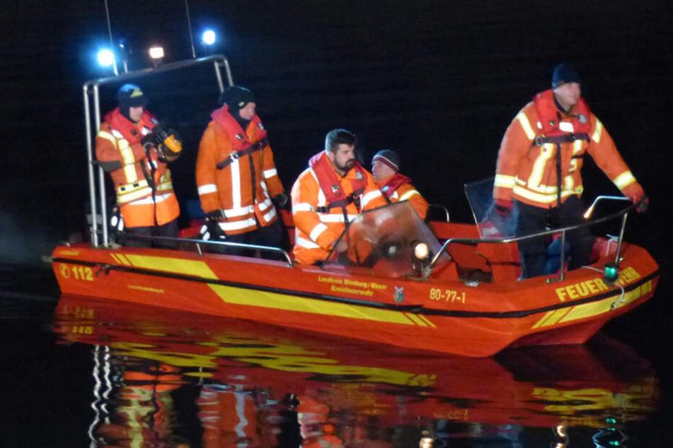 Nachts um 3 Uhr: Zeuge meldet Person im Rhein