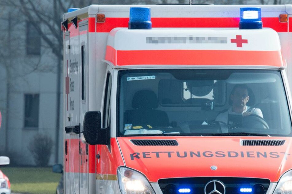 Passant eilt schwer verletzter Frau zu Hilfe: Das bereut er bitter