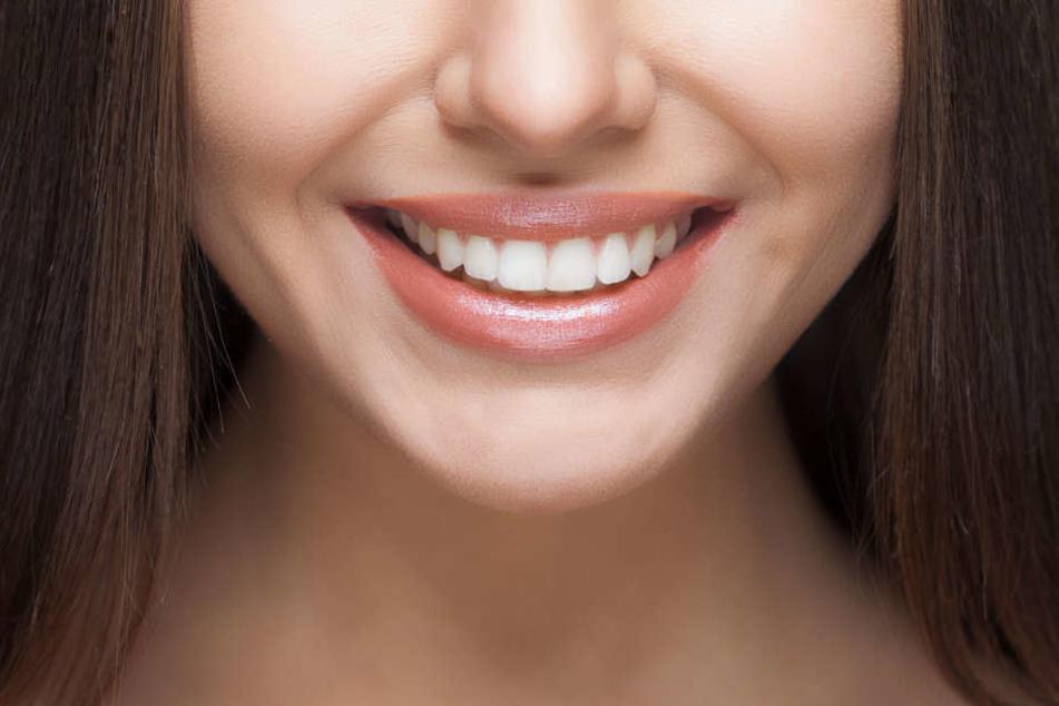 Bitte lächeln! Ein bezahlbares Komplettpaket für Deine Zahnvorsorge ist jetzt kein Problem mehr.