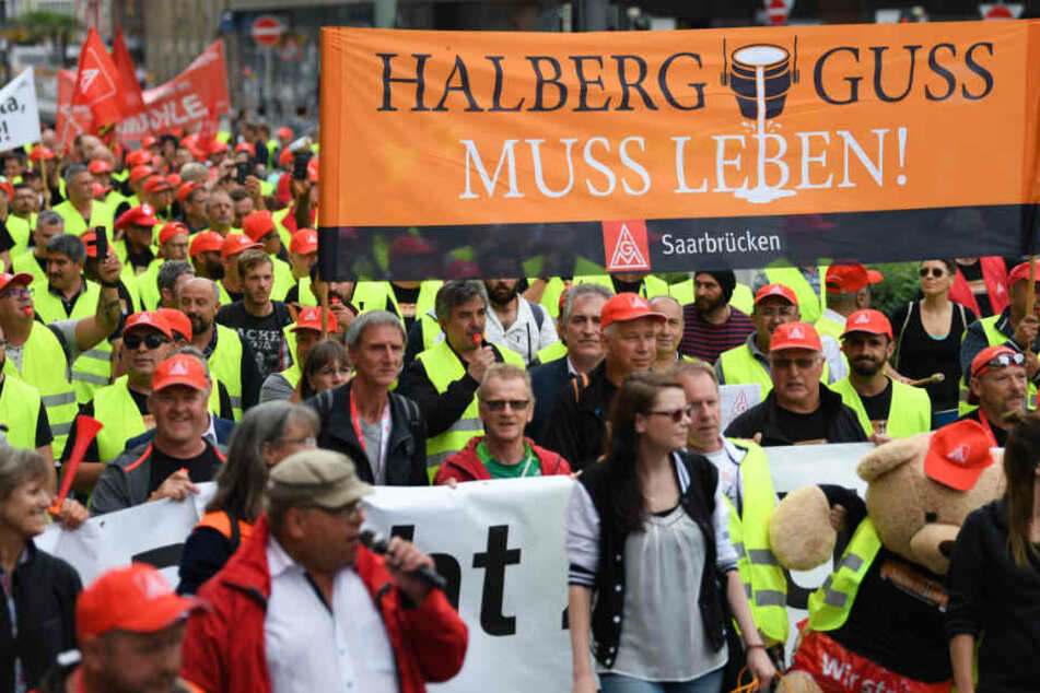 Vergangene Woche zogen mehrere hundert NHG-Beschäftige demonstrierend durch Frankfurt (Main).