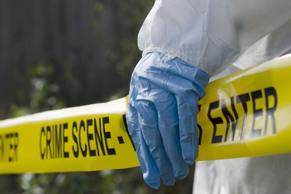 Die Polizei ermittelt zur Todesursache der vierköpfigen Familie.