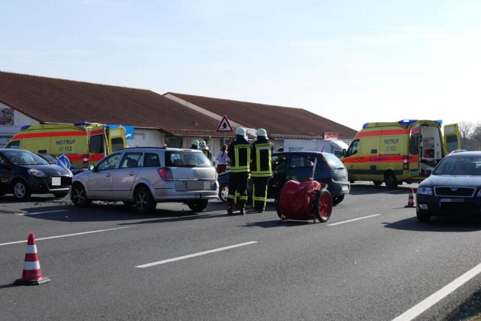 Feuerwehr und Rettungsdienst sind vor Ort.