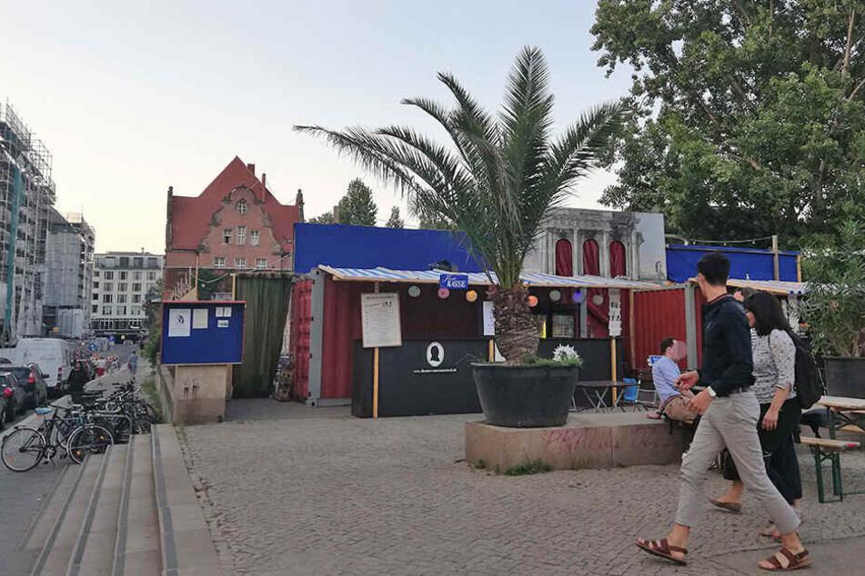 Kein schöner Zustand: Das improvisierte Theater an der Museumsinsel.