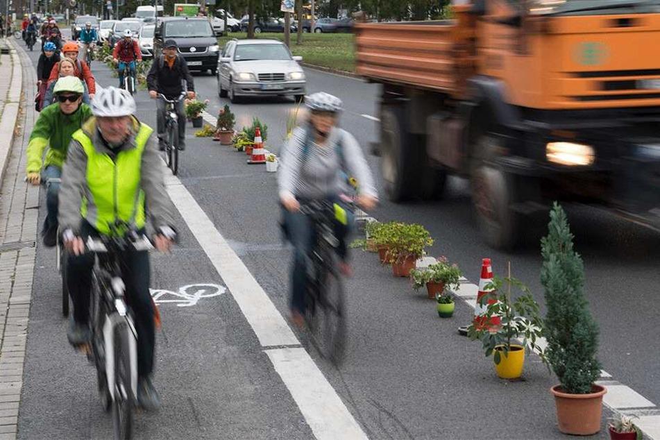 Damit sich Dresdens Radler sicherer fühlen, sind auch breitere Radspuren notwendig.