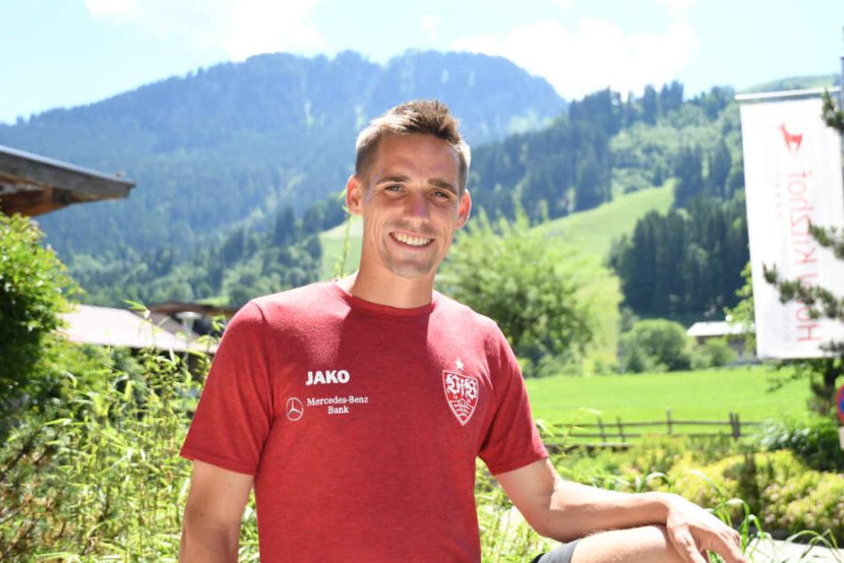 Neuzugang Philipp Klement vor dem Mannschaftshotel in Kitzbühel.