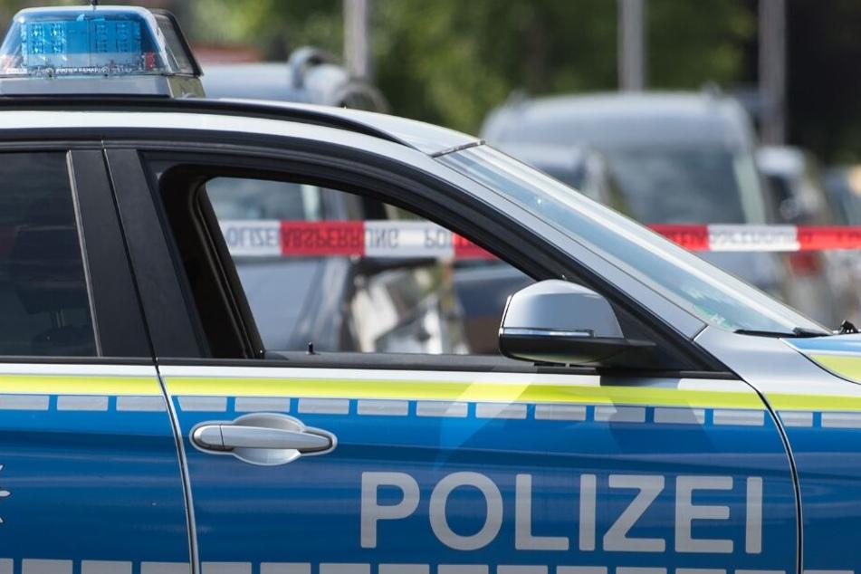 Die Polizei sucht nach dem brutalen Trio. (Symbolbild)