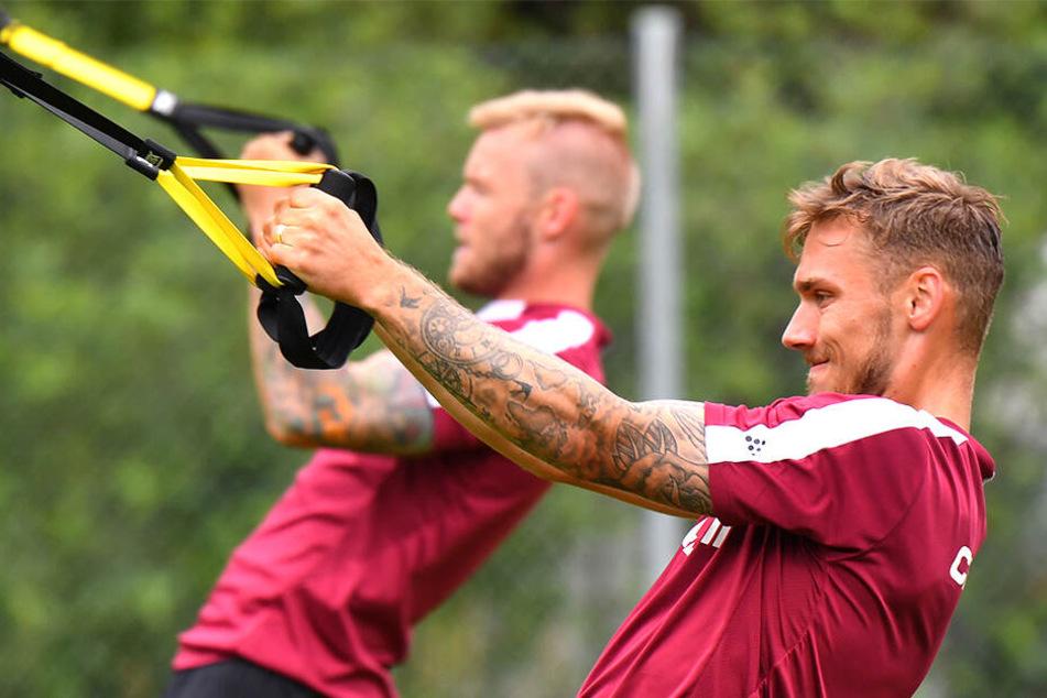Linus Wahlqvist (vorn) und Brian Hamalainen ziehen bei Dynamo an einem Strang.