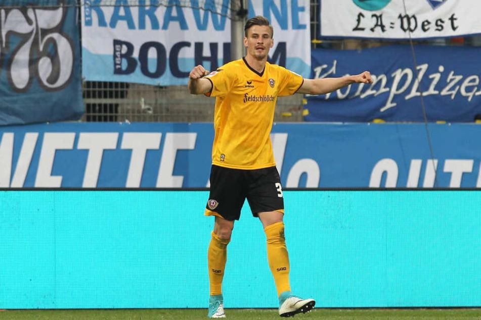 Stefan Kutschke in Jubelpose. Das war in seinen eineinhalb Jahren von Januar 2016 bis Juni 2017 im Dynamo-Trikot häufig zu sehen. In 47 Punktspielen erzielte er 19 Tore.