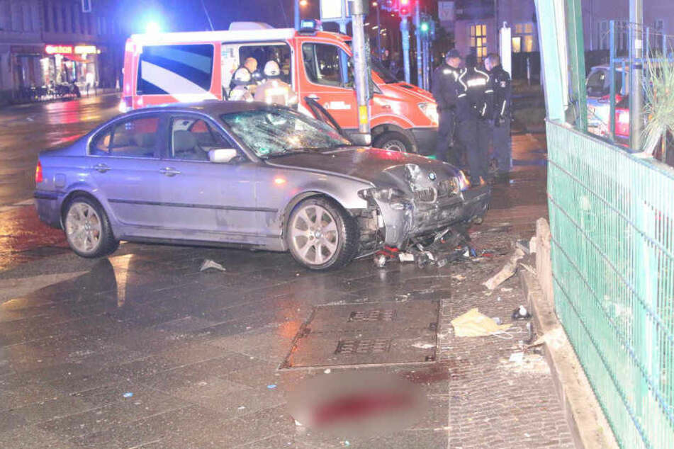 BMW-Fahrer rast in Berlin in Menschenmenge