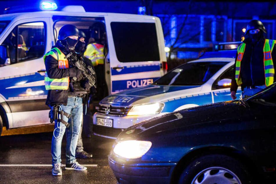 Nach Anschlag: Polizei stoppt verdächtiges Taxi aus Frankreich bei Bremen