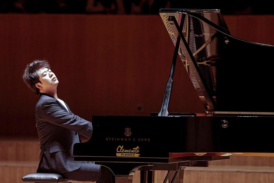 Starpianist Lang Lang (hier bei einem Konzert im Musikpalast Valenzia) wird auf der diesjährigen Buchmesse in Leipzig zu Gast sein.