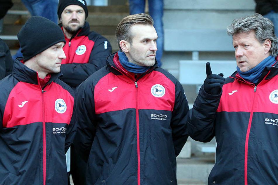 Das Trainerteam beobachtete das Treiben der Profis ganz genau.