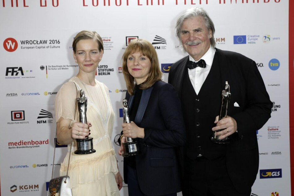 Sandra Hüller, Maren Ade und Peter Simonischek beim Europäischen Filmpreis in Breslau.