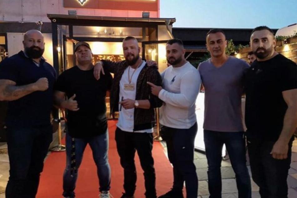 Kollegah raucht: Razzia in neuer Shisha Bar des Rappers