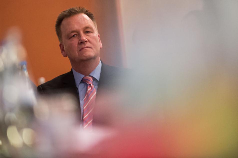 SPD-Landeschef Burkhard Lischka (52) hält es für falsch, die Verhandlungen mit der Union jetzt abzubrechen.