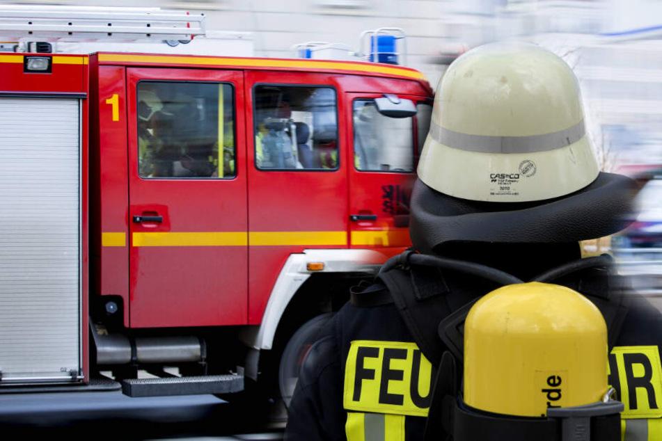 Dresden: Feuerwehr will leblose Person in Dresden retten und stößt auf unerwartetes Hindernis