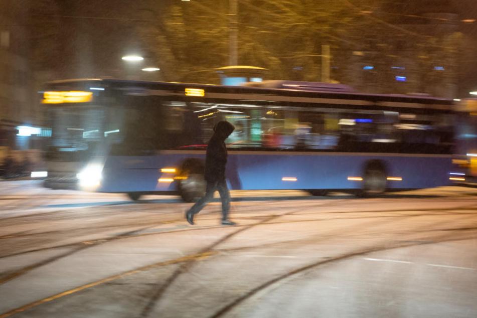 Junge (6) von Linienbus überrollt und schwer verletzt