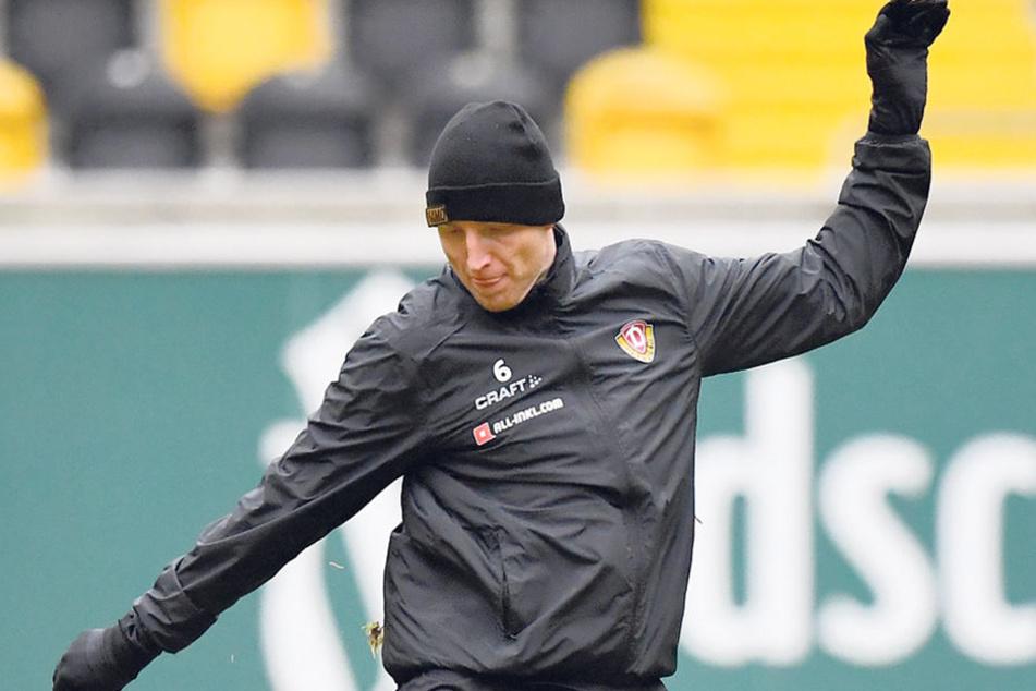 Trotz Schnupfens war Kapitän Marco Hartmann am Freitag beim Trainingsauftakt der Schwarz-Gelben dabei.