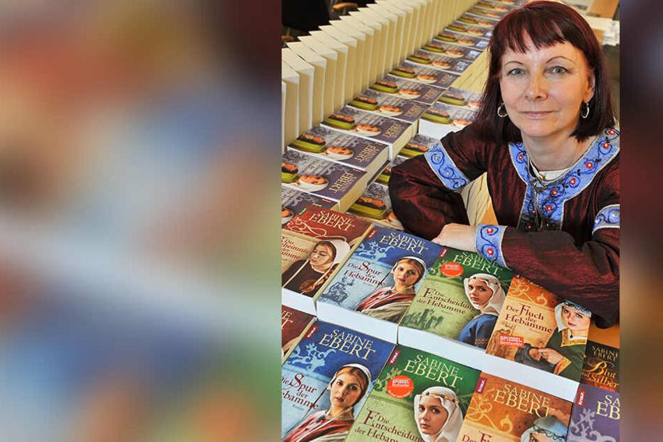 """Erfolgsautorin Sabine Ebert (60) landete mit """"Geheimnis der Hebamme"""" einen Bestseller. 2019 wird das Theaterstück erstmals am Ort des Geschehens in Freiberg aufgeführt."""