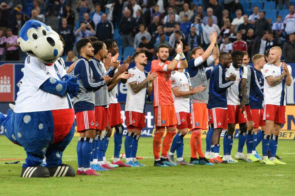 Nach der Partie ließ sich die Mannschaft von den Fans feiern.