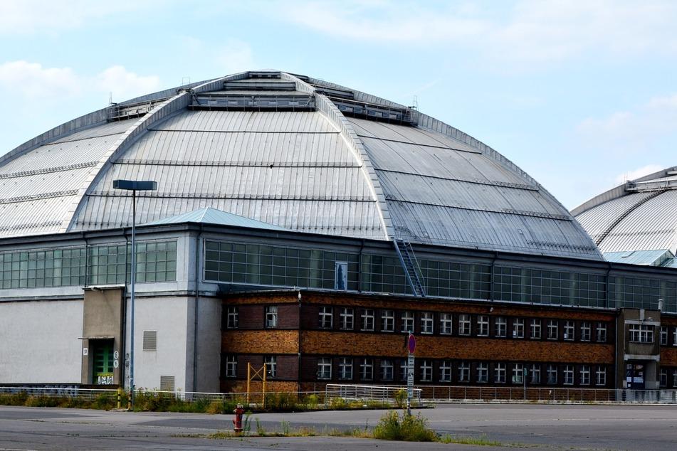 Seit 1930 gibt es das imposante Bauwerk des Kohlrabizirkus bereits - von innen gibt es nach dem Kauf der Stadt einen neuen Anstrich.
