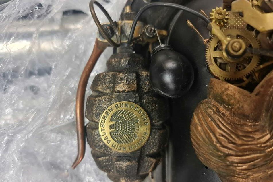 """Bei der vermeintlichen Handgranate handelte es sich um eine sogenannte """"Steampunk-Skulptur""""."""