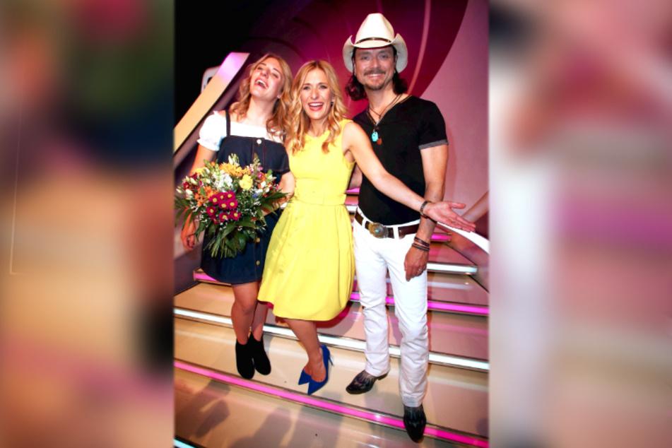 In dieser Familie ist Musike drin: Tochter Johanna Mross (18, li.), Stefanie Hertel (40) und Lanny Lanner (45) strahlen um die Wette.