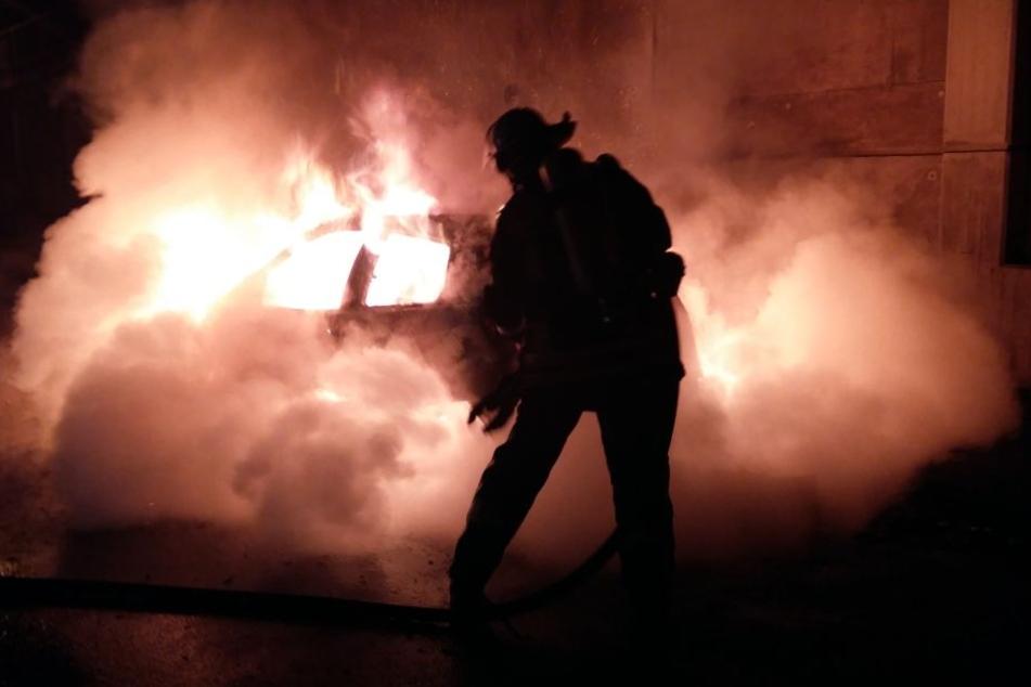 Die Kameraden der Freiwilligen Feuerwehr Königswinter im Einsatz.