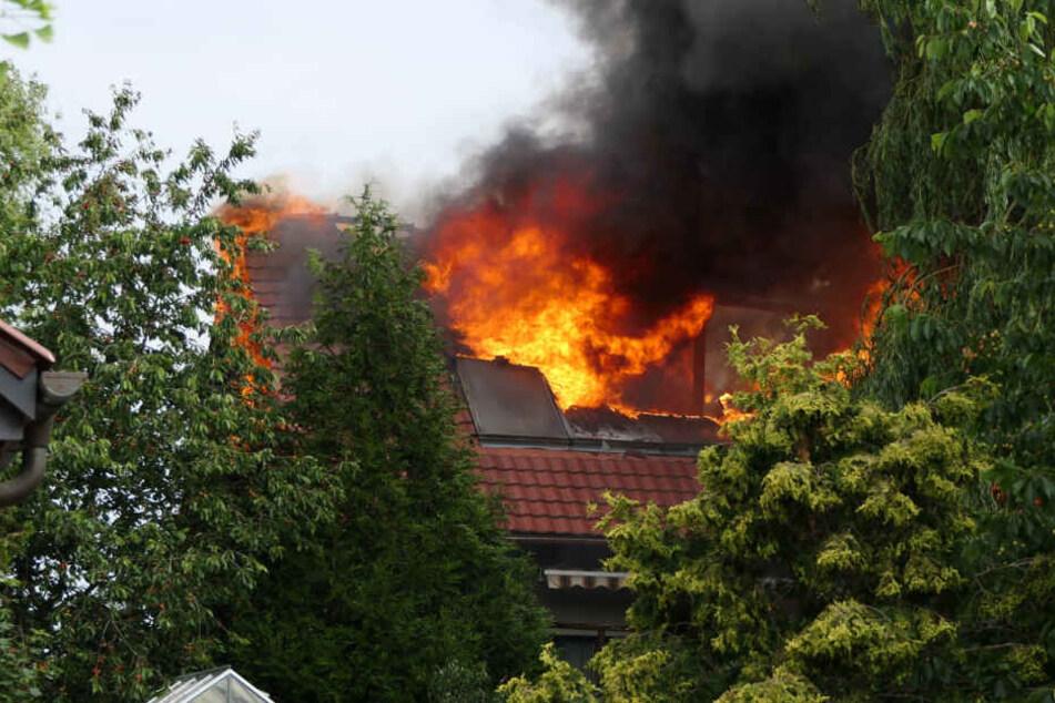 Das Feuer war im Dachstuhl des Hauses ausgebrochen.