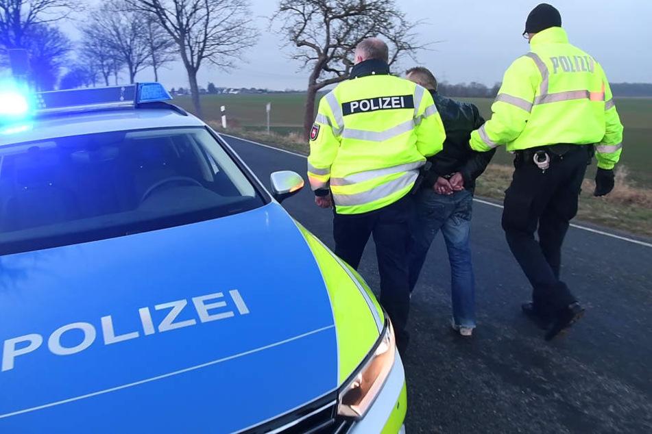 Der 18-jährige Beifahrer wurde festgenommen. (Symbolbild)