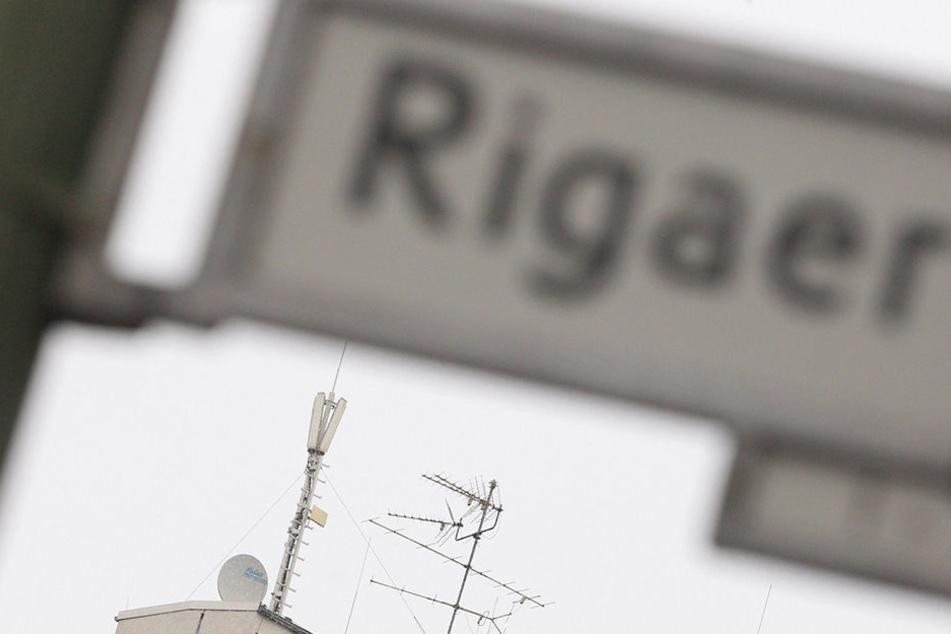 Verdächtiger Gegenstand auf der Rigaer Straße