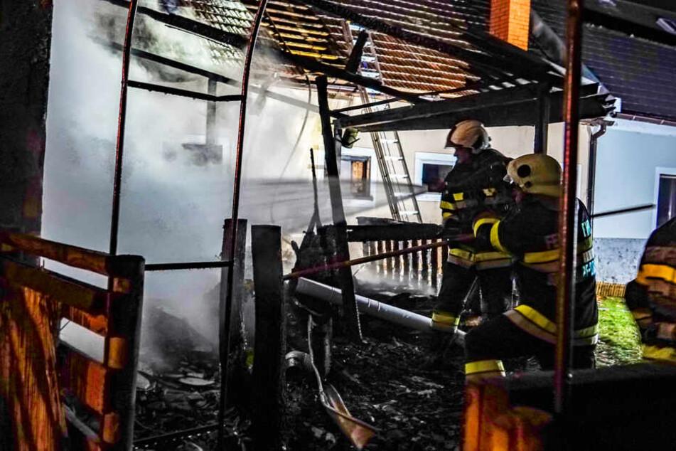 108 Kameraden befanden sich im Einsatz, um das Feuer zu löschen.