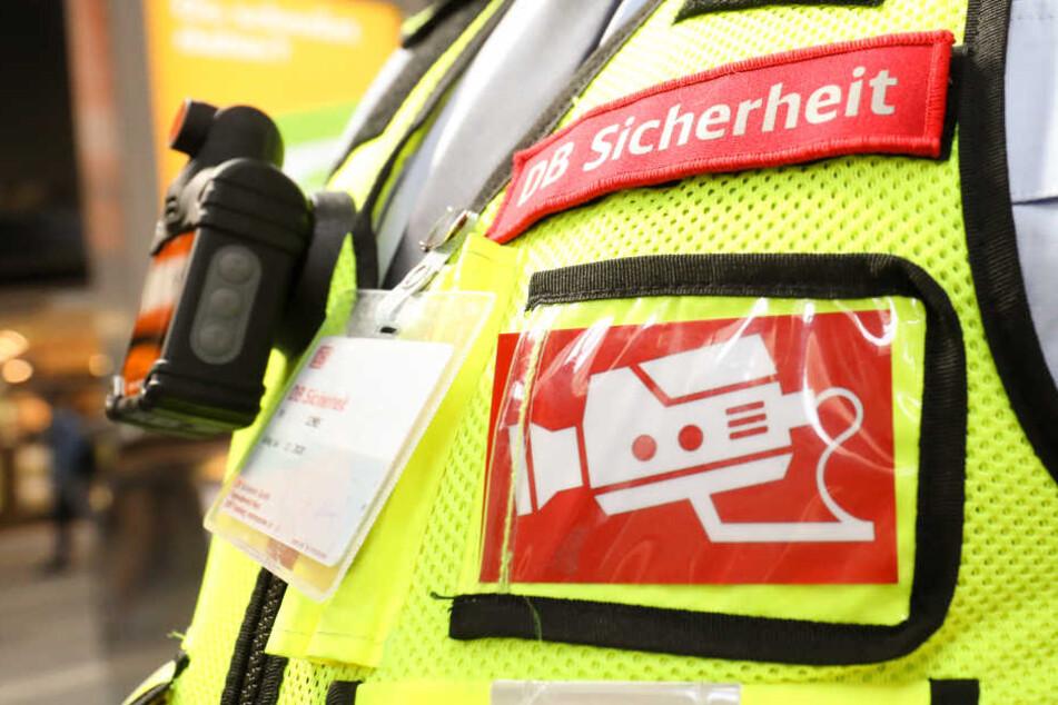 Das DB Sicherheitspersonal ist in München mit Bodycams ausgestattet.