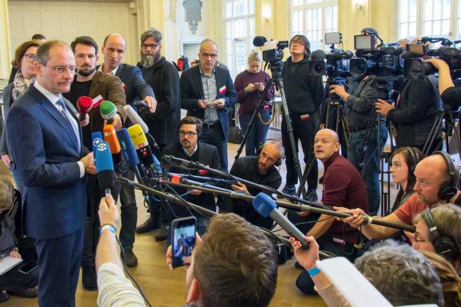 In diesem Jahr hatte Markus Ulbig (CDU) aus Sachsen de Vorsitz der Innenministerkonferenz. Zum Auftakt des Herbsttreffens beantwortete er Fragen zum Programm.