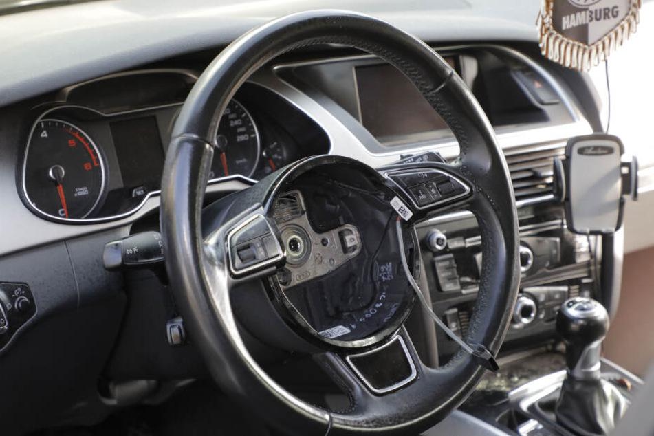 Die Täter bauten die Airbags professionell aus.