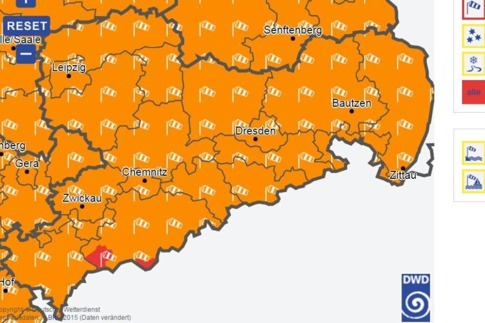 Für ganz Sachsen gilt eine Sturm-, für einige Gebiete sogar Orkanwarnung.