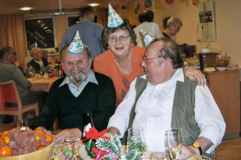 Gemeinsam gegessen, gesungen und gefeiert: Dutzende Besucher erlebten im Seniorenzentrum schöne Zeiten.