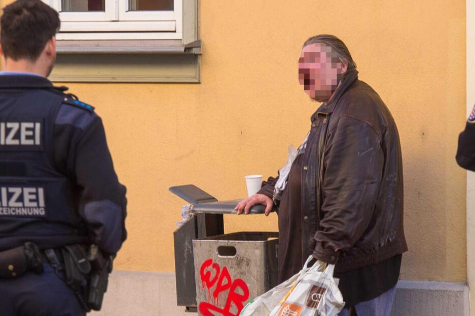 Dolores F. ist der Polizei in Erfurt schon bestens bekannt. Hier bei einer Festnahme im Februar.