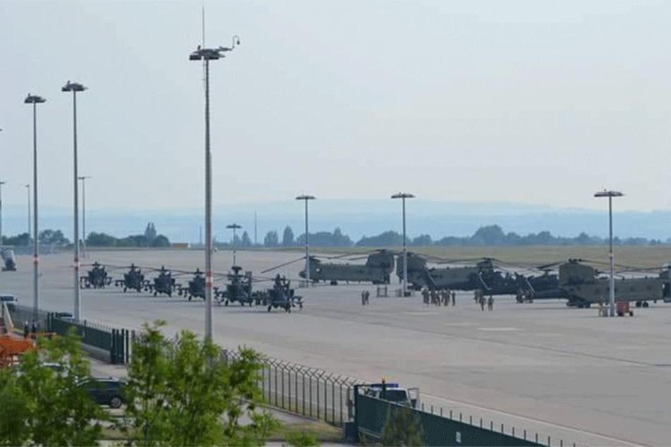 Die Kampf- und Transporthubschrauber flogen nach dem Zwischenstopp weiter Richtung Polen.