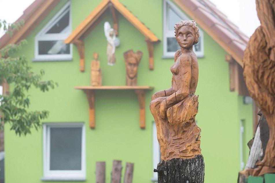 Phantastisch: Karen Hobelsbergers Holzkunst kann sich sehen lassen.
