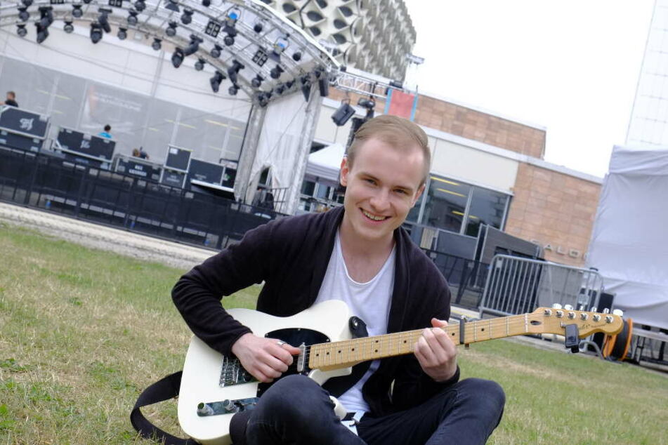 Poprocker und Randfichten-Sohn Toni Kraus (20) will mit seiner Band die Luft zum Brennen bringen.