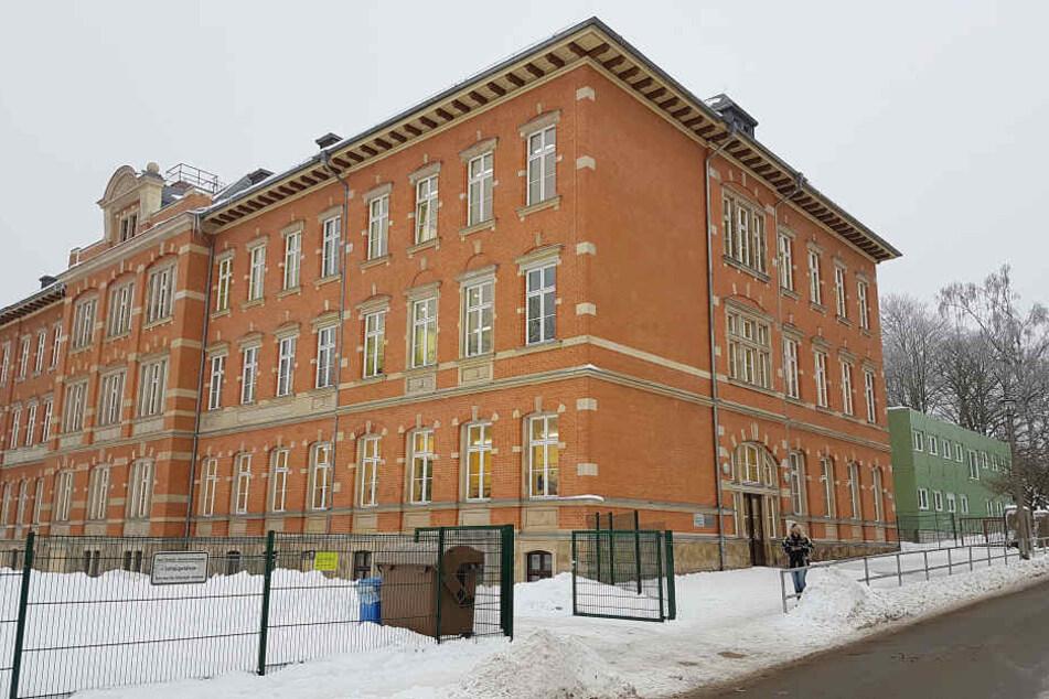 Die Polizei ermittelt nun aufgrund des Vorfalls an der Altendorfer Schule.
