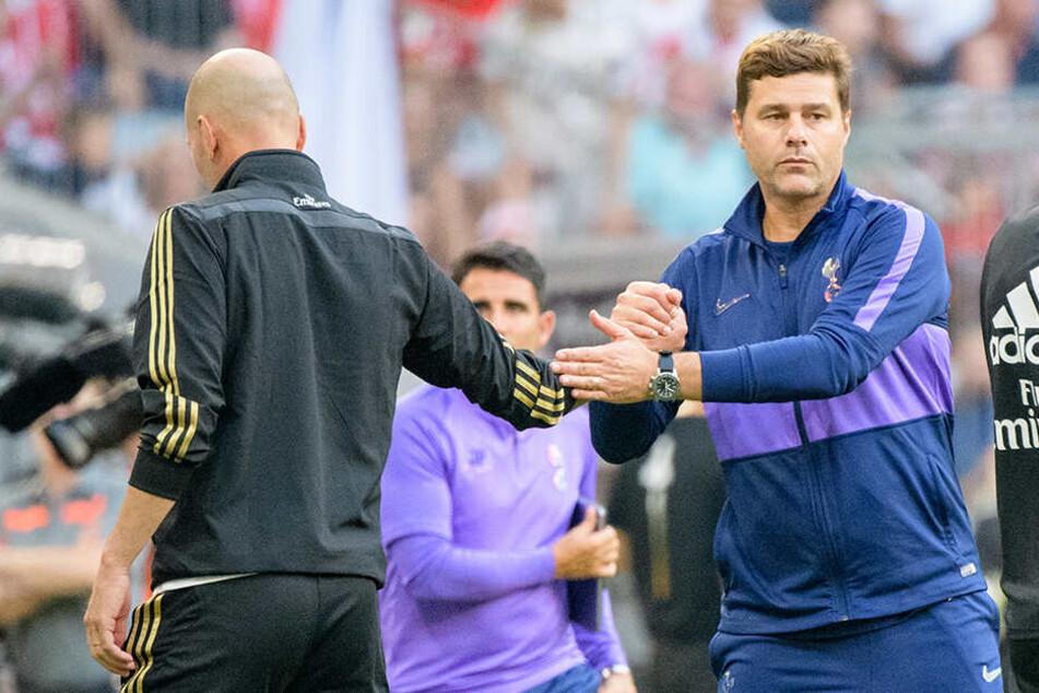 Pochettino mit Real-Trainer Zinedine Zidane am Dienstag beim Audi-Cup in der Münchner Allianz Arena.