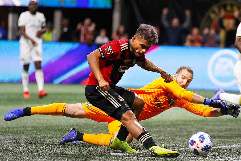 Torschützenkönig Josef Martinez (vorne) trifft mit seinem 35. Saisontor zum 1:0 für Atlanta United.