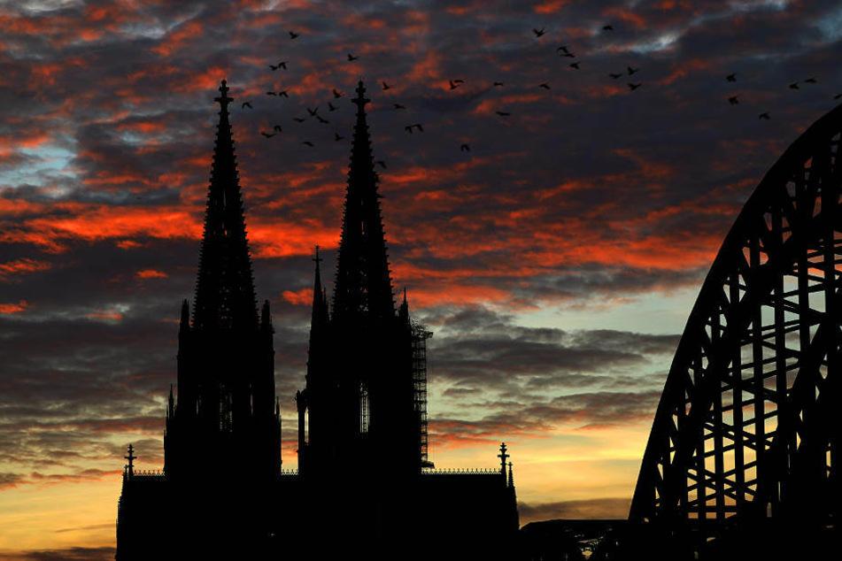 Wenn der Dom brennen sollte, so bedeutet dies für die Feuerwehr die höchste Alarmstufe, die es in Köln gibt.
