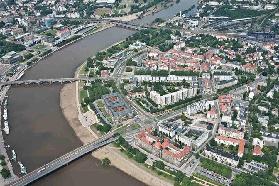 Die neue Fernwärmetrasse ab 2020 verläuft durch die Dresdner Innenstadt  und unter der Elbe.